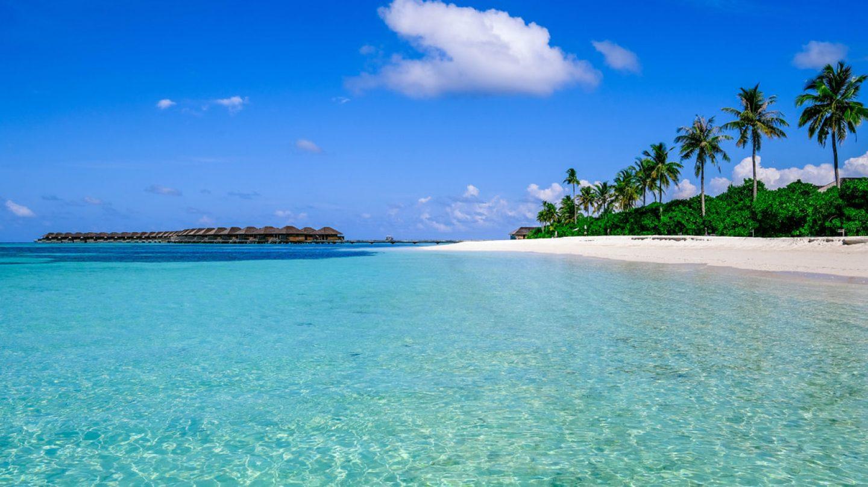 Review Hotel Hurawalhi Maldives Resort