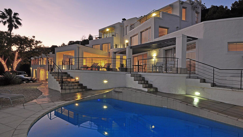 Review Hotel Villa Afrikana Guest Suites